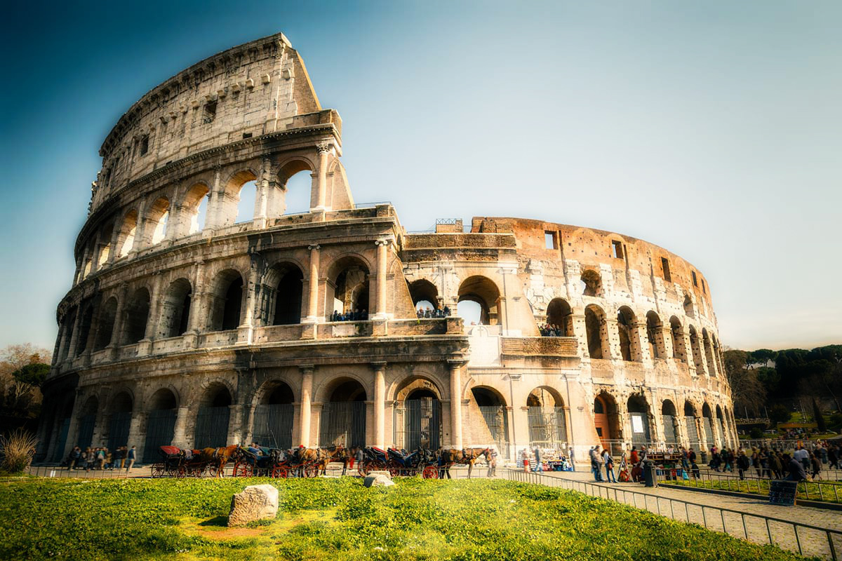rome_colosseum_front